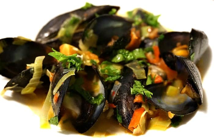 ... tomatoes wine and anise recipes dishmaps mussels with tomatoes wine