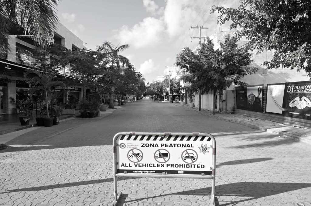 quiet morning street in Playa