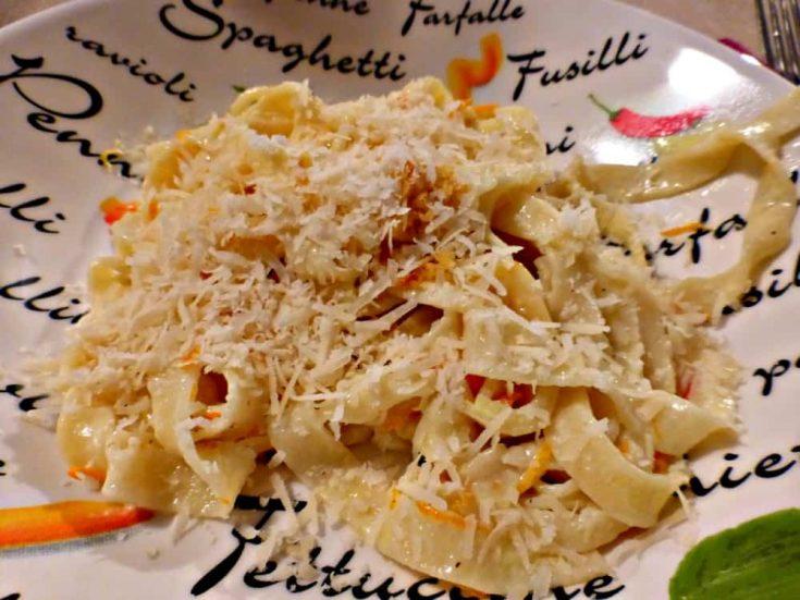 tagliatelle pasta with orange sauce
