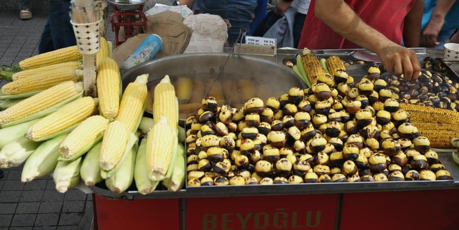 Istanbul Street Food: Corn and Chestnuts