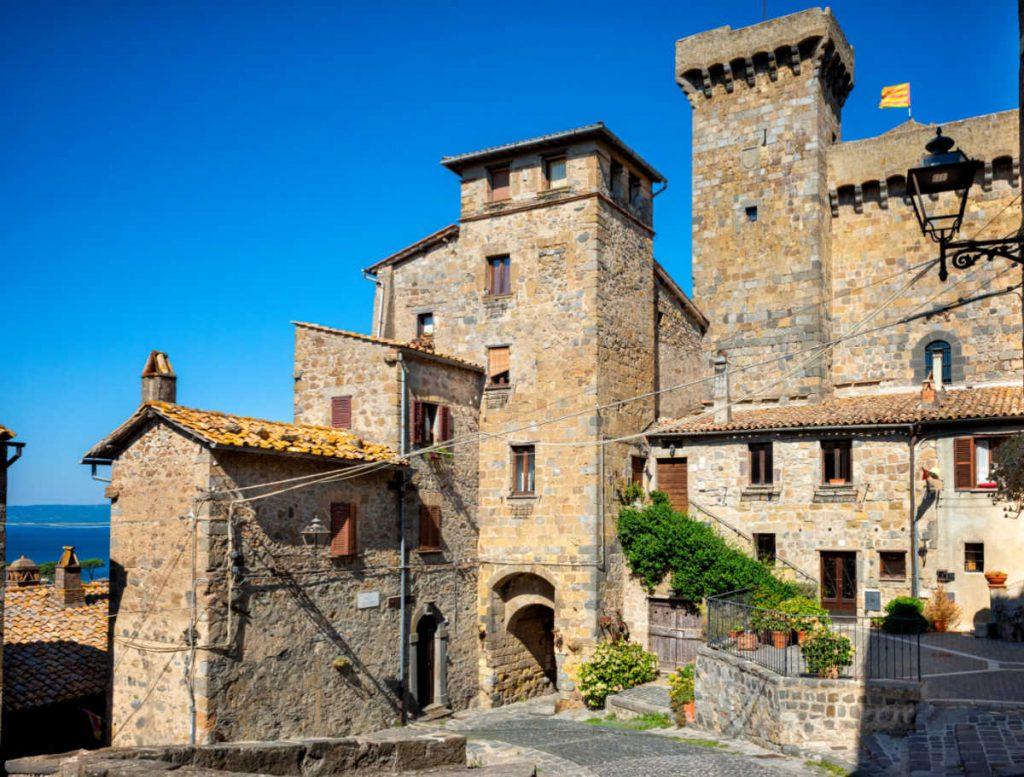 Medieval Italian Towns: Bolsena