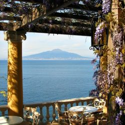 Five Reasons to Visit Naples Italy